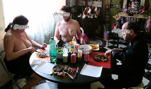 Repas à 4 dans Cuisine enk52_dims01