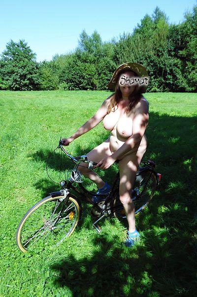 Bicyclette - Nacked dans Exhib en public enk58_velo13