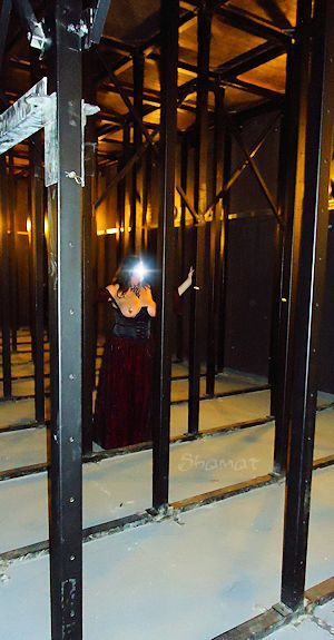 Teatro (sotto) - Préparatifs dans Bustier noir enk64_th33