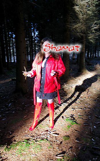 Forêt de St Amand - Le petit chaperon rouge dans Chaussures-Bottes enk66_sta01
