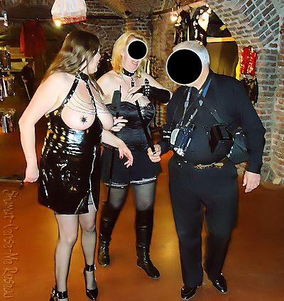 Bxl2013 - Oh que vois-je ? dans Bustier noir enk70_bxl13-46