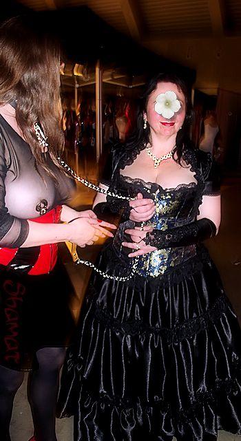 Mons 2013 - Belle Dame Noire dans Autres personnes es130608ms84