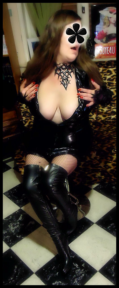 Amy Winehouse - 2CUTE4U dans Caresse es131123aw23